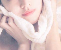 肌に優しい洗い心地を実感する女性