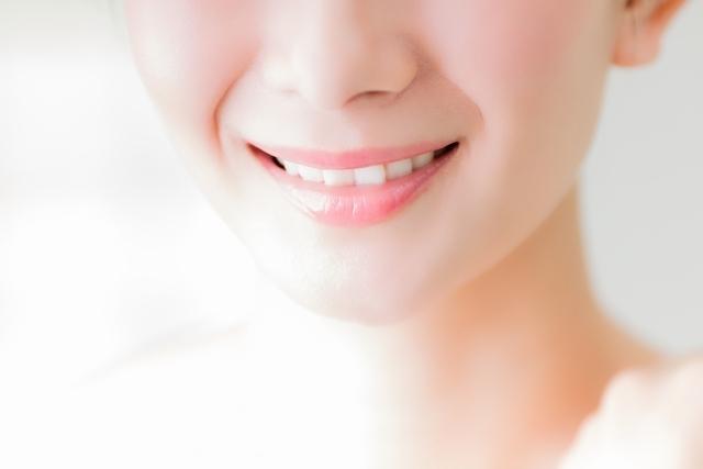 歯がキレイな女の人