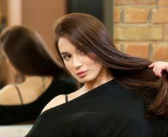 髪のキレイな女の人