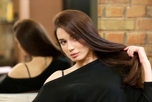ラムダニクスで髪のキレイな女の人