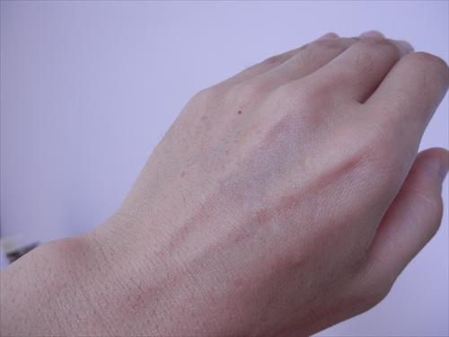 美巣ハンドクリームを使った後の手